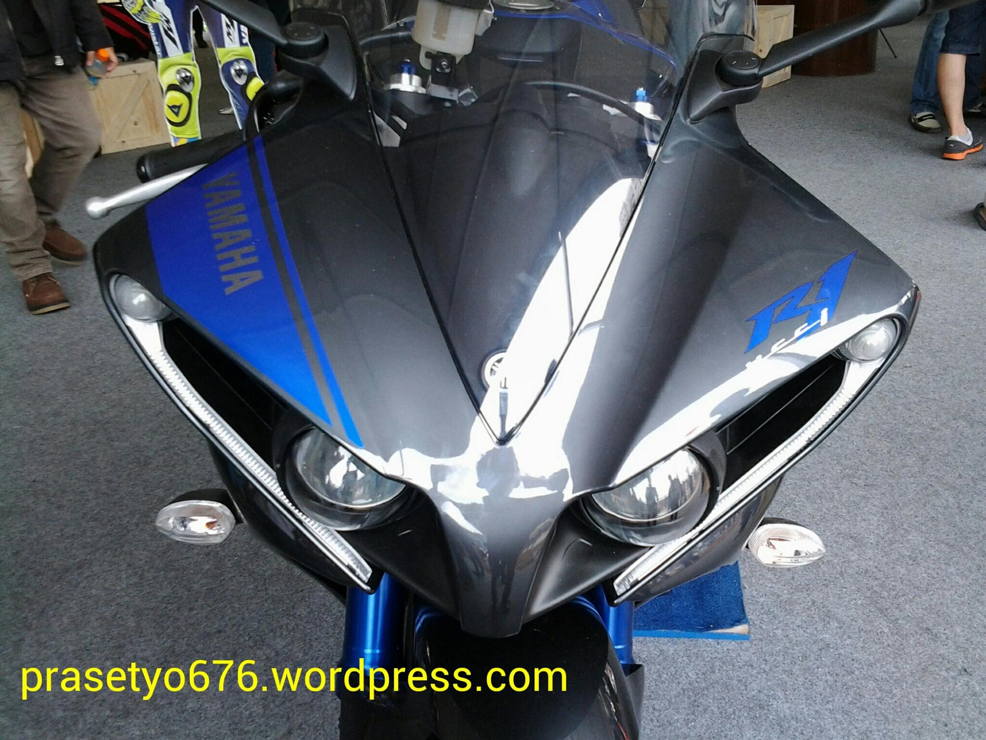 modifikasi lampu depan yamaha r15 terkeren