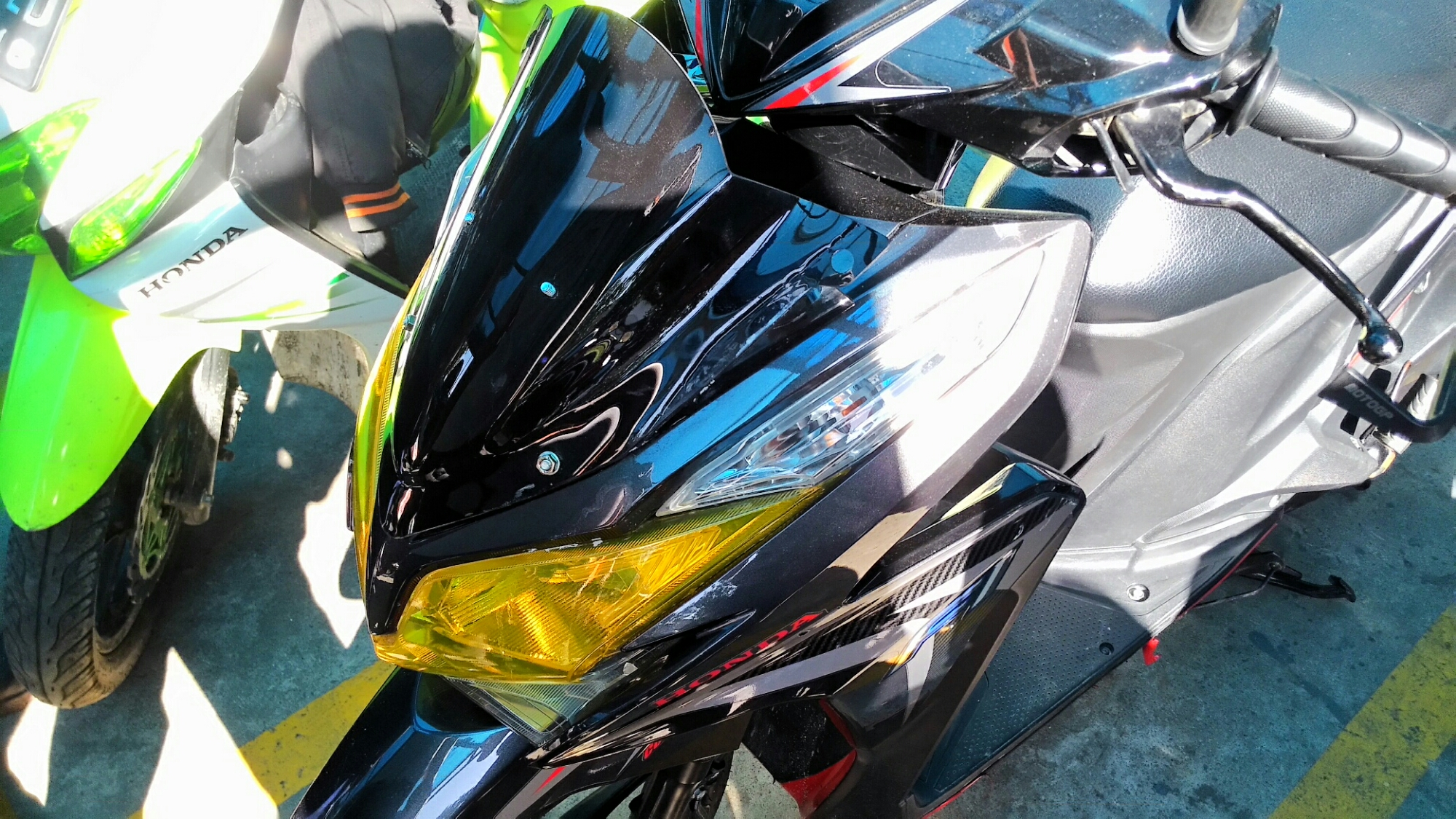 Modifikasi Penambahan Visor Pada Honda Vario 125 Keren Dan Budget